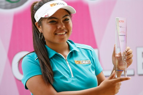 CHAMP AGAIN. Dottie Ardina hoists her trophy as she marks her return to the ICTSI Ladies PGT with a runaway victory at ICTSI Valley Golf Ladies Challenge. (pr photo)