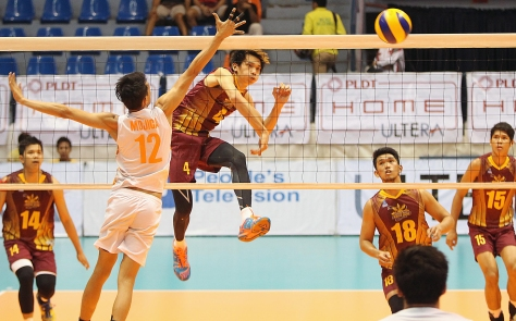 Cagayan's Peter Torres hammers in a kill against PLDT's Howard Mojica during the preview of the Spikers' Turf finals at The Arena yesterday.(pr)