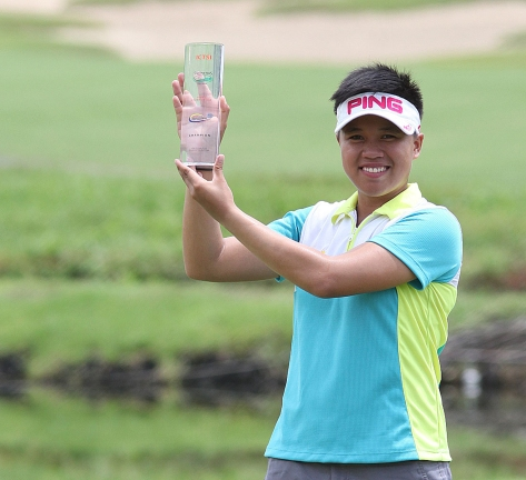 Davao's Sarah Ababa hoists her first ICTSI LPGT trophy after topping the Sherwood Ladies Championship.(pr)