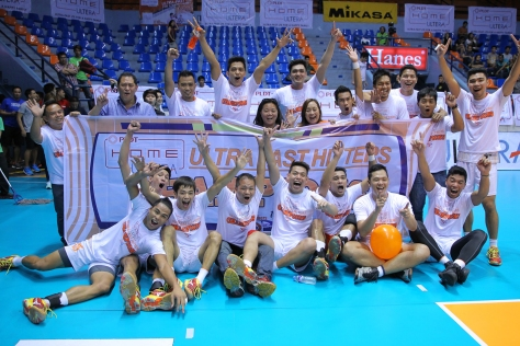 Members of the PLDT Home Ultera celebrate after beating the Cagayan Rising Suns for a sweep of the inaugural Spikers' Turf crown at The Arena.(pr)