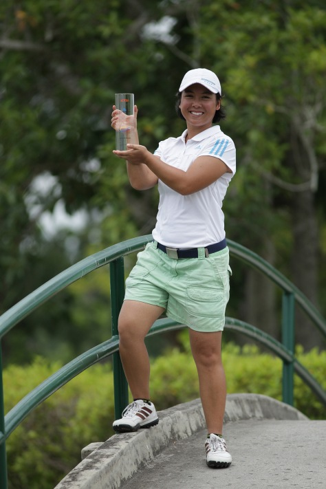 Cristina Corpus beams as she displays her first-ever LPGT trophy after ruling the ICTSI Luisita Ladies Challenge.(pr)